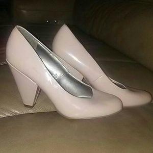 Missone tan patent leather shoe